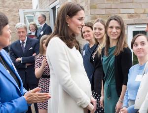 9 of Kate Middleton's Best Maternity Looks