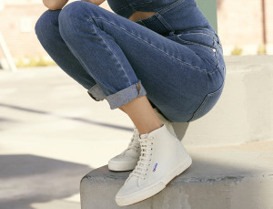 Alexa Chung Just Created the Comfiest, Cool-Girl Sneakers