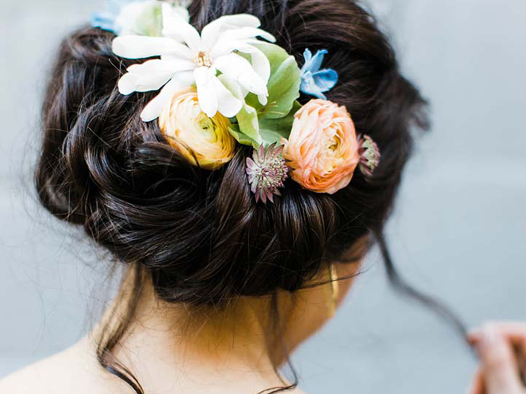 12 Flower-Filled Wedding Hairstyles That Are Anything but Basic