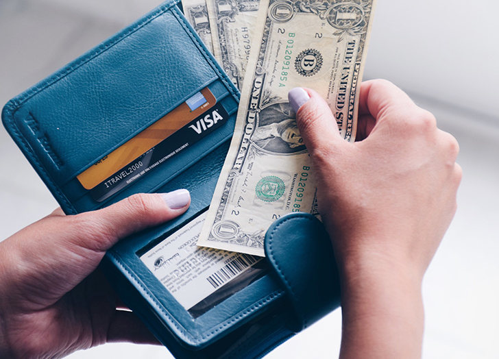 3 Things You Should Never Have in Your Wallet (Plus 3 Things You Should)
