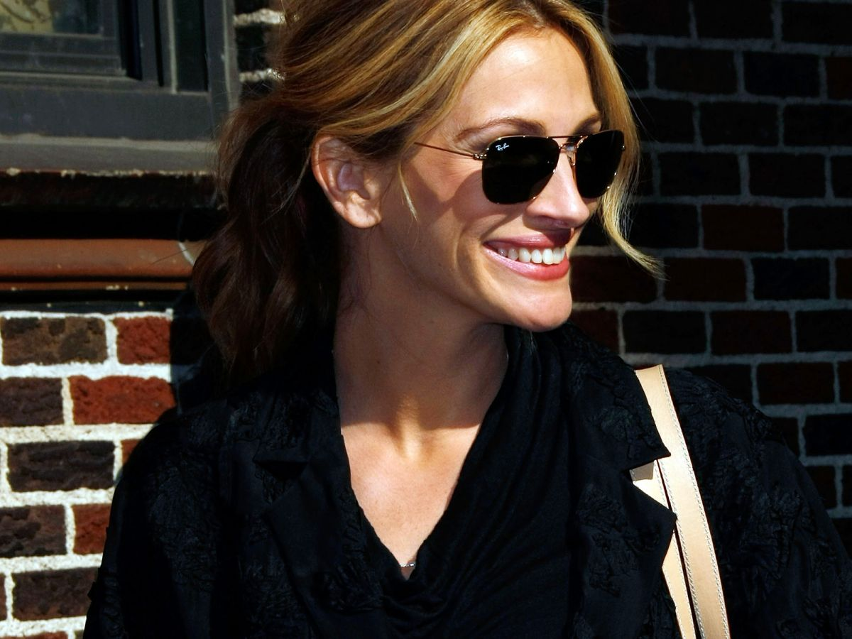 Julia Roberts' Longtime Hairstylist Tells Us the Secret to Her Great Hair
