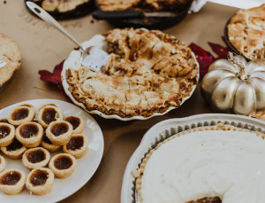 What You Should Bring To Friendsgiving, Based On Your Zodiac Sign