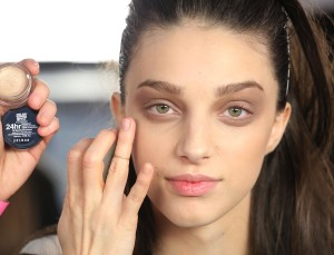 How to Set Your Undereye Concealer and Prevent It From Creasing Forever