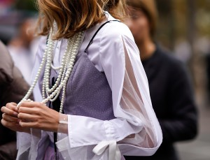 How to Keep Necklaces From Tangling While Wearing Them
