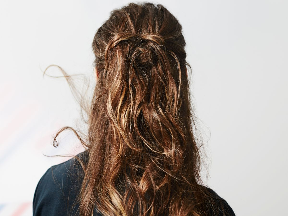 Pro Tricks For Getting Rid Of Static Hair This Winter