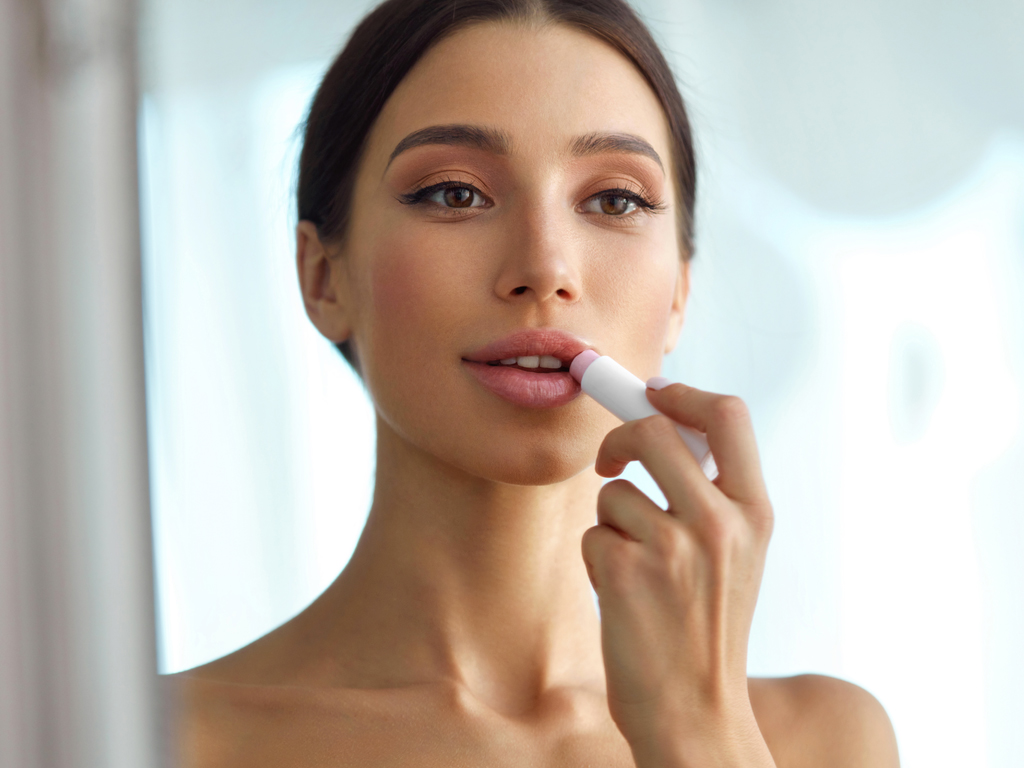 3 Key Tricks to Making Thin Lips Look Their Fullest