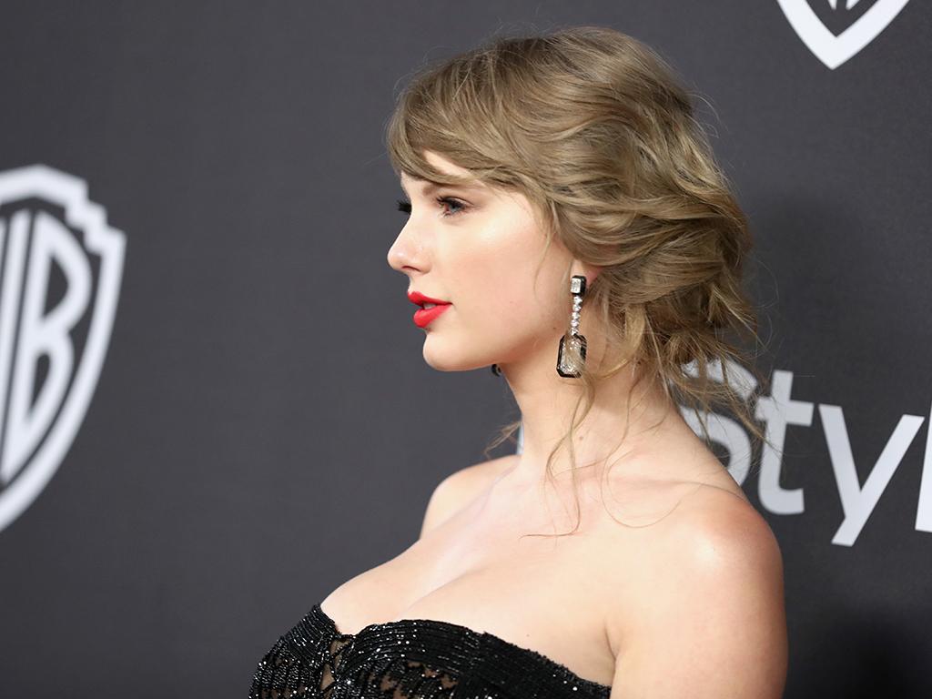 Taylor Swift Addresses New Album Rumors