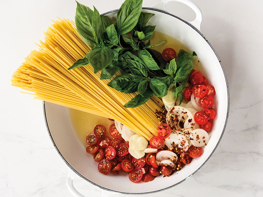 Easy Does It: One-Pot Tomato Basil Pasta