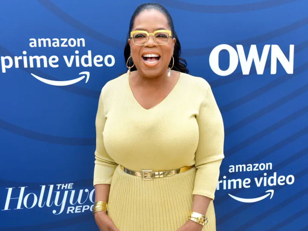 Oprah Wears All Gold Everything, As Oprah Should