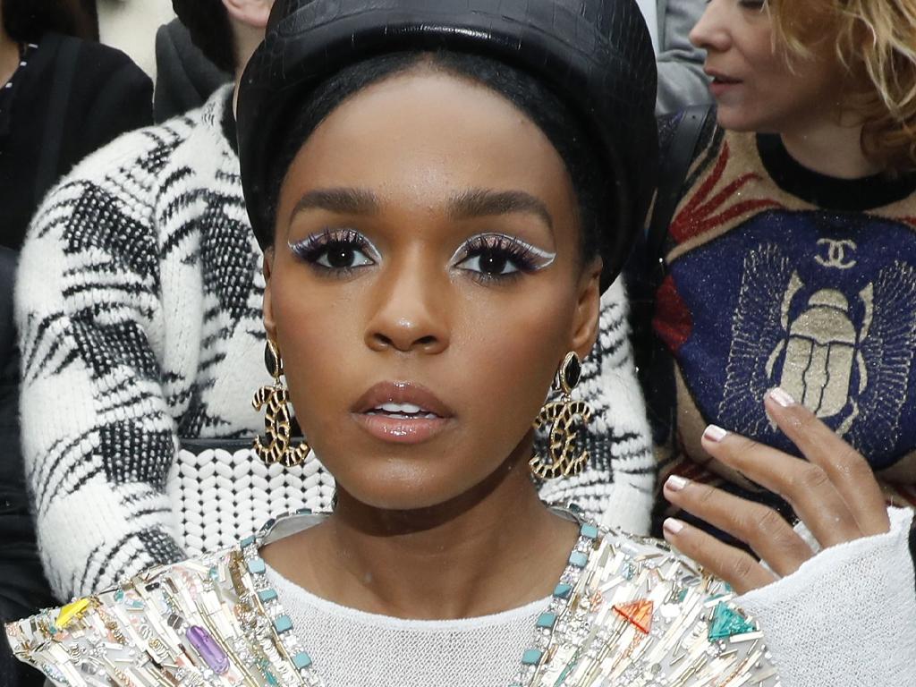 White Eyeliner Is The Biggest Celebrity Makeup Trend Of 2019