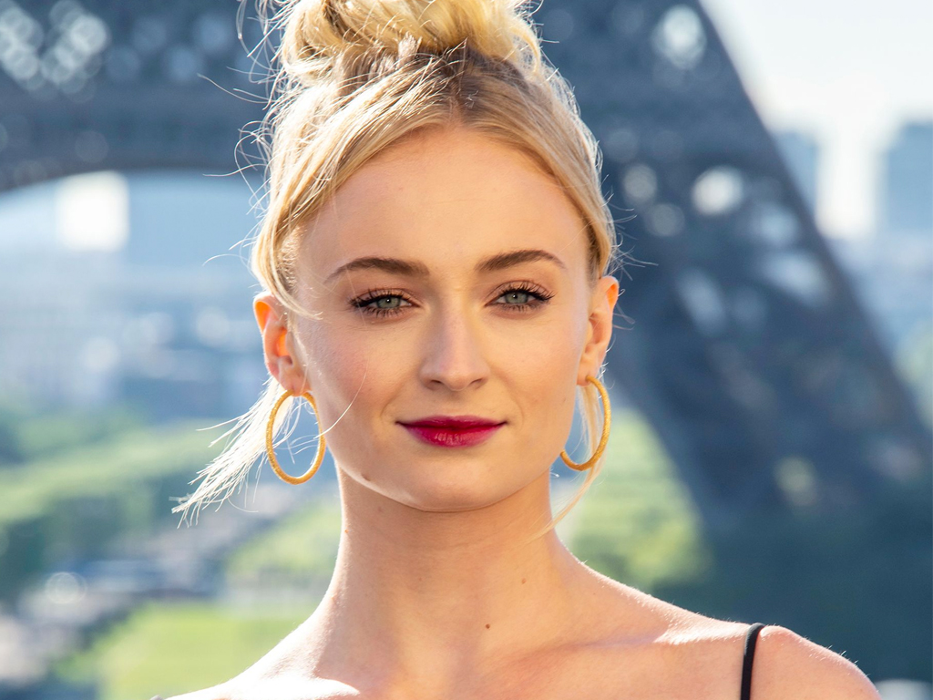 Sophie Turner Has Officially Mastered French-Girl Beauty