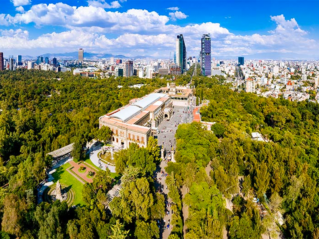 Everyone You Know Is Going to Mexico City: Here's How to Spend a Weekend There