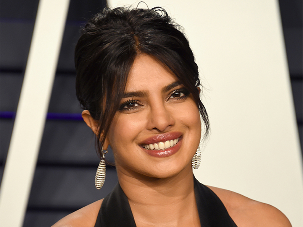 6 Tips From Priyanka Chopra On How to Take a Great Photo, Every Time