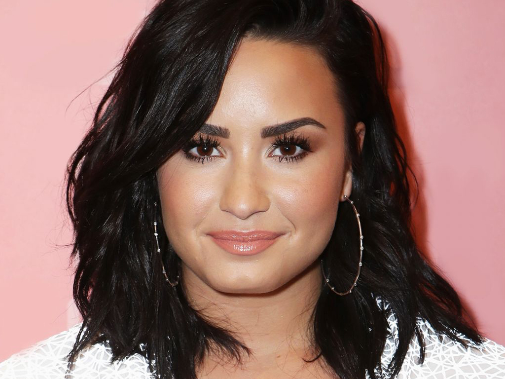 The Message Behind Demi Lovato's New Finger Tattoo Is So Important