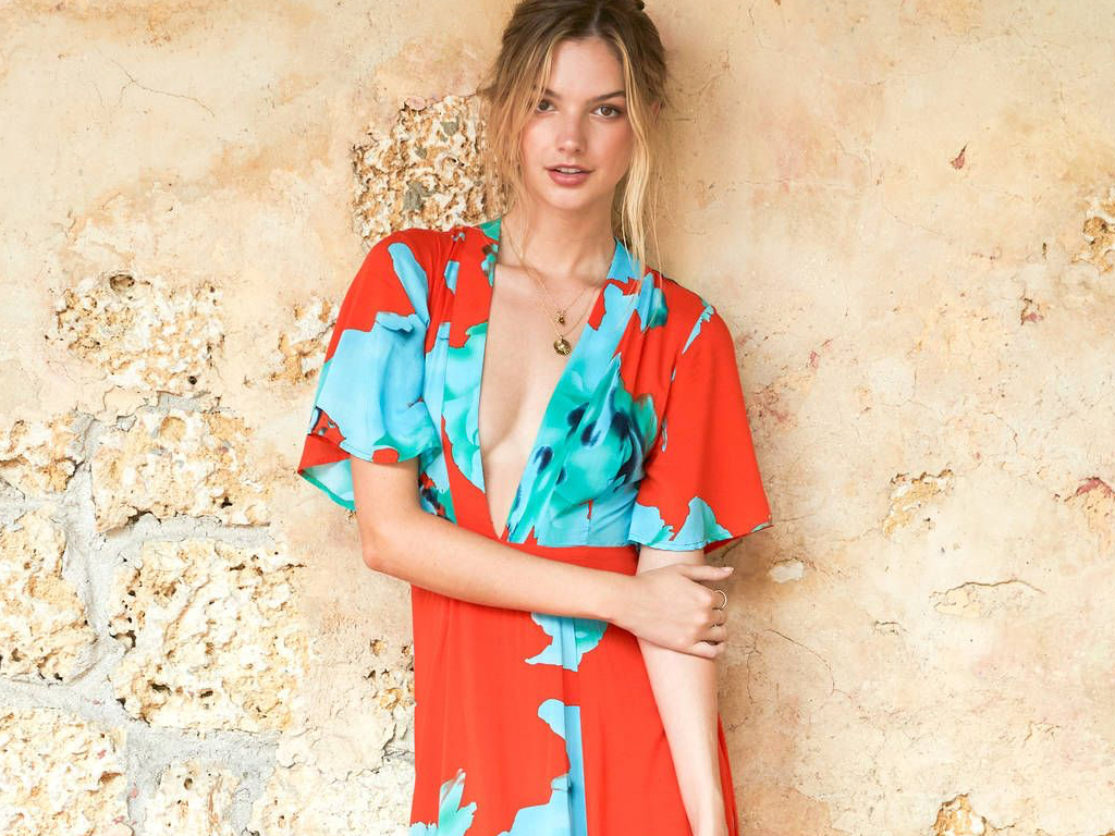 A Wedding-Guest Outfit For Every Type Of Beach Destination