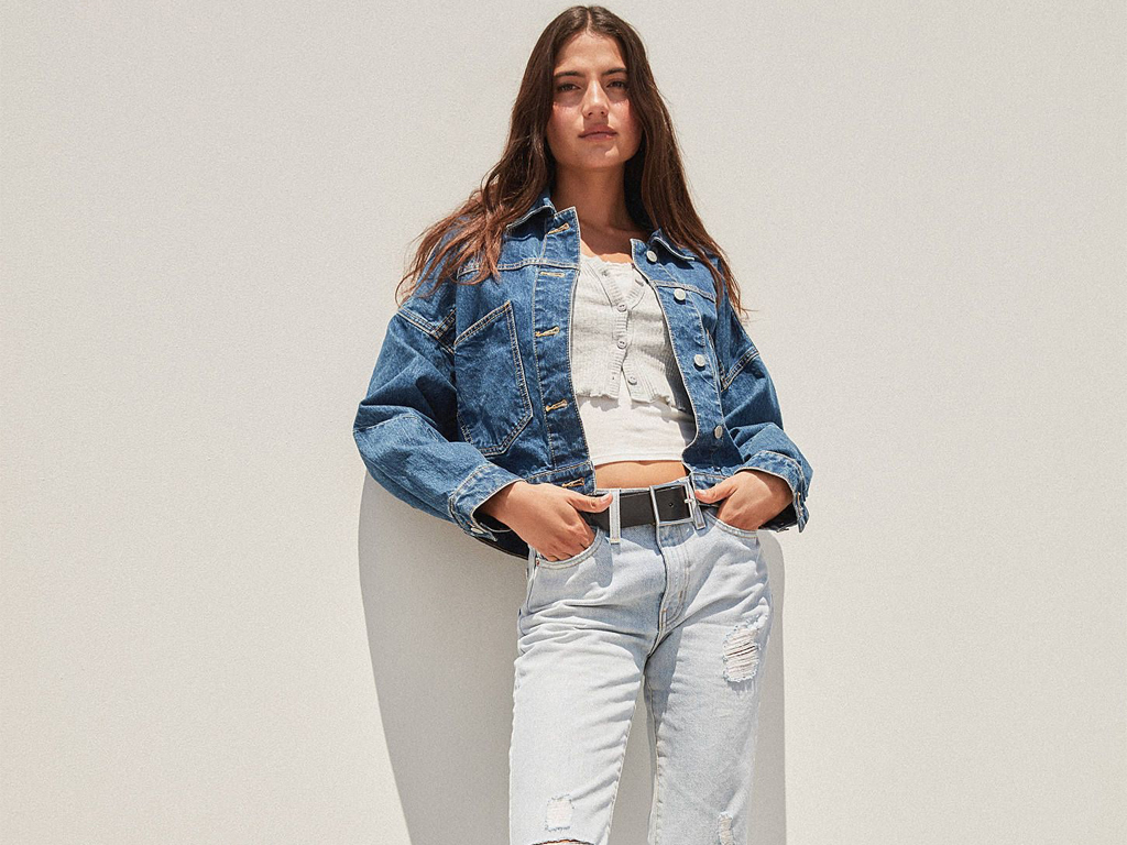 Grunge Is Back — & These Ripped Up Jeans Are Leading The Movement