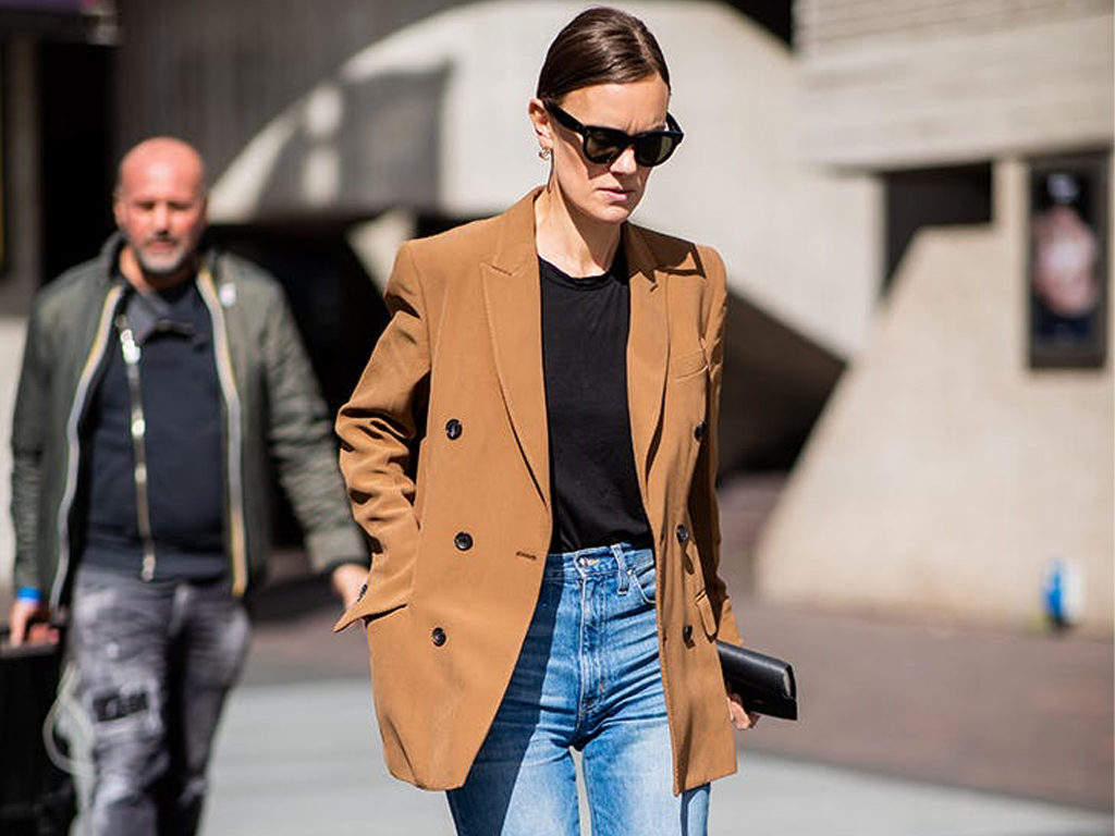 7 Minimalist Outfits to Try (with Pieces You Already Own)