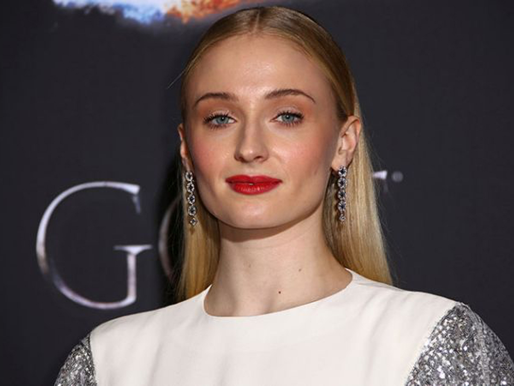 Sophie Turner Is Headed Back To TV & Her New Thriller Will Make Your Heart Stop