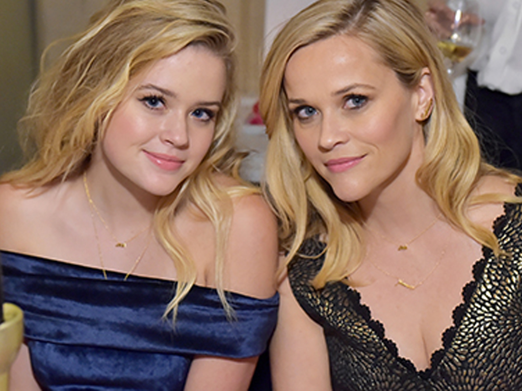 Reese Witherspoon and Her Daughter, Ava Phillippe, Look